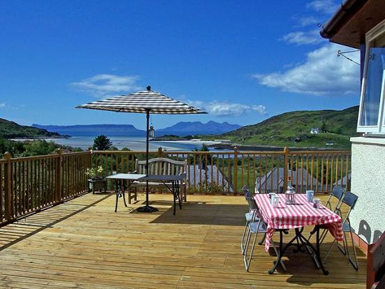 Half Moon Bay Holiday Cottage Morar Mallaig, location de vacances à Lochailort
