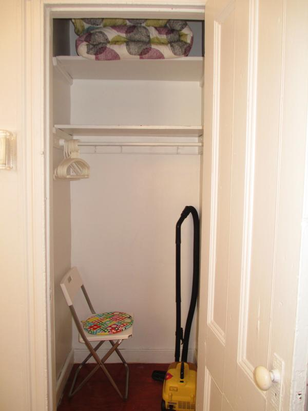 ( bedroom 1 and   bedroom 2, has large closet)