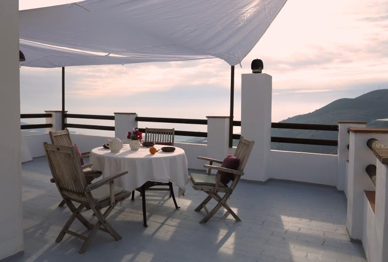 top floor: beautiful morning terrasse with view over the Mediterrenean sea