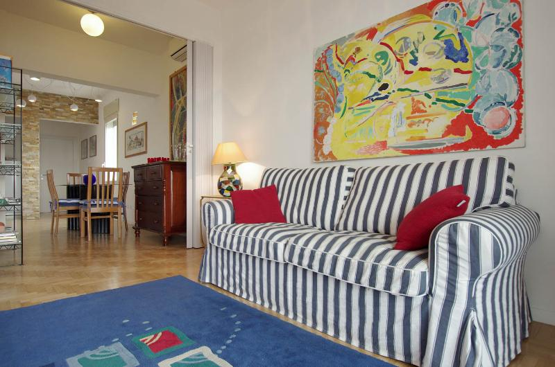 LUX PIRAMIDE CASAVACANZE, holiday rental in Rome