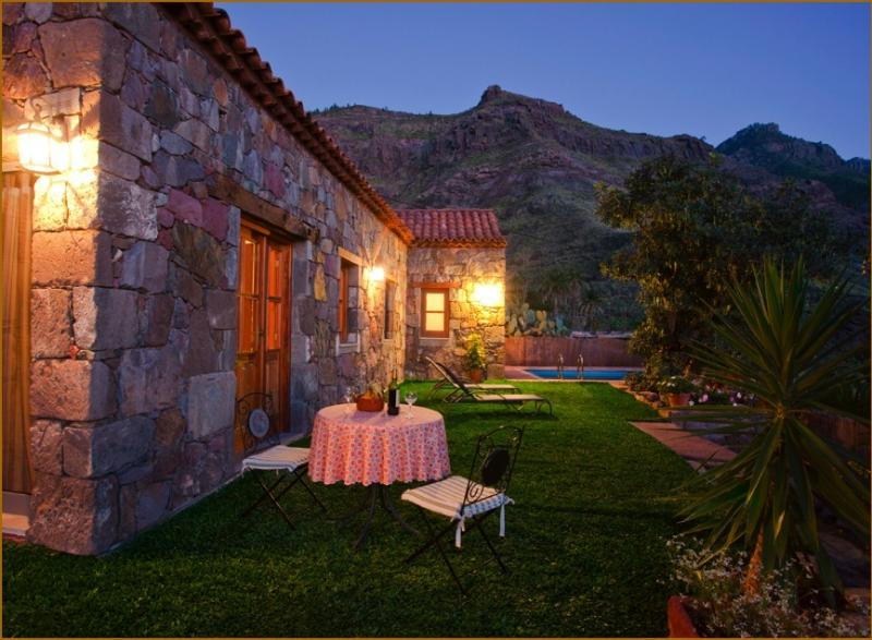 CASA TAMADABA - PRIVATE POOL - beach and hiking, holiday rental in Agaete