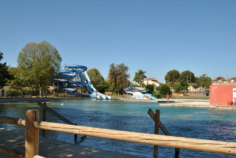 Votre centre de loisirs avec toboggans de 21m, boule a vagues, zone enfants...