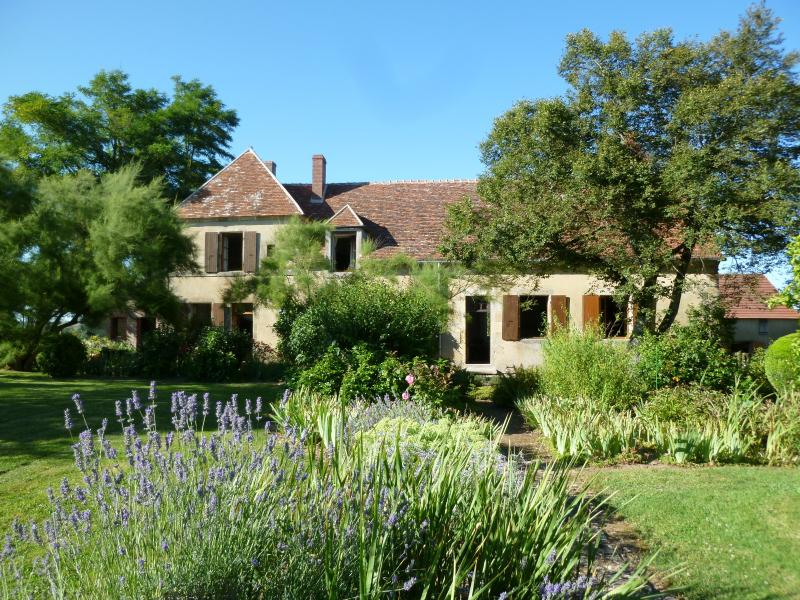 Le Tremblay, holiday rental in Verneuil