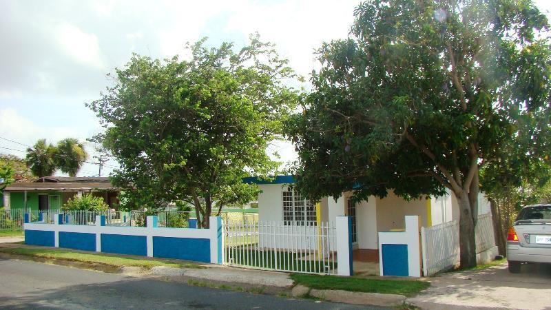 Vista de Villa Caribe desde cancha de tenis