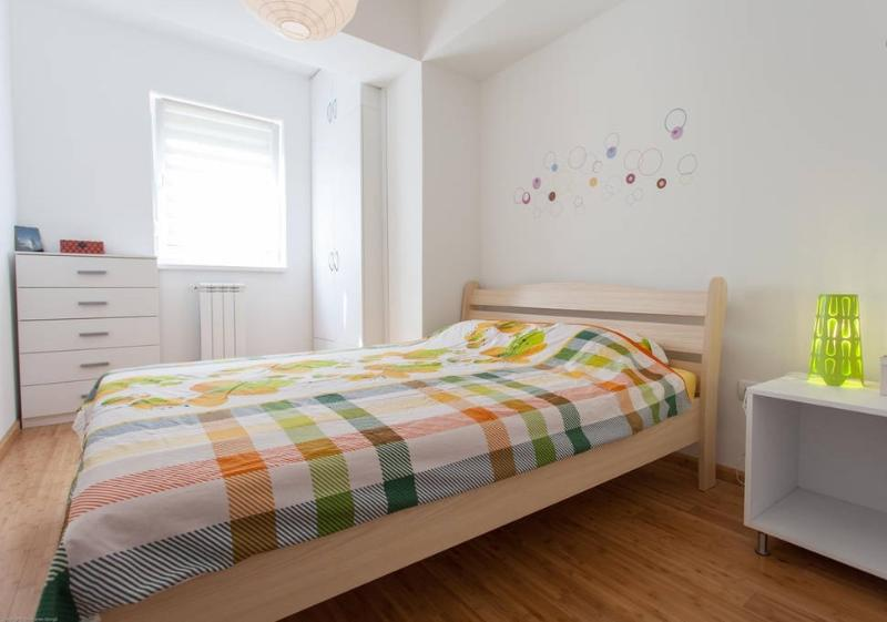 The twin bed bedroom is a cosy place for a good rest