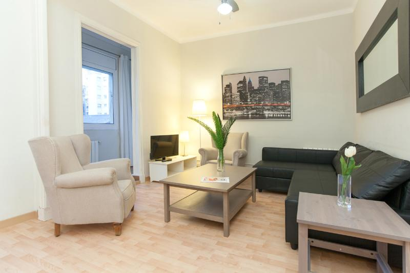 3 Bedrooms Apartment Sagrada Familia C Has Wi Fi And Central Heating Updated 2018 Tripadvisor Barcelona Vacation Rental