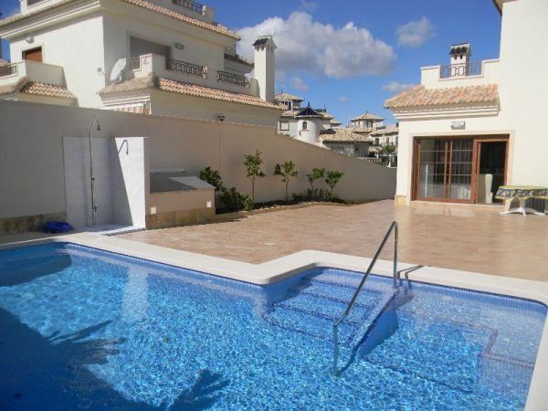 La Zenia Luxury Villa with private pool, vacation rental in San Miguel de Salinas