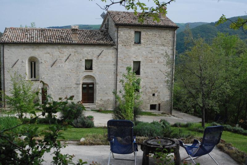 Veduta-facciata San Paterniano con particolare garden e area relax