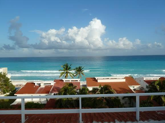 Cancun Two Story Penthouse With Amazing Views!!, vacation rental in Cancun