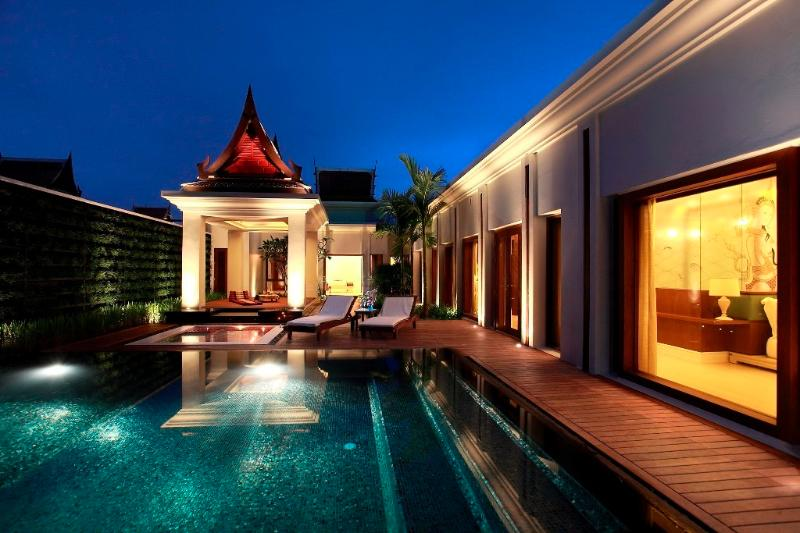 Luxury 1 Bedroom Private Pool Villa, location de vacances à Tha Yu