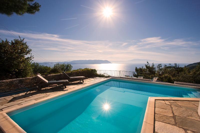 Villa Petaloutha, location de vacances à Sporades