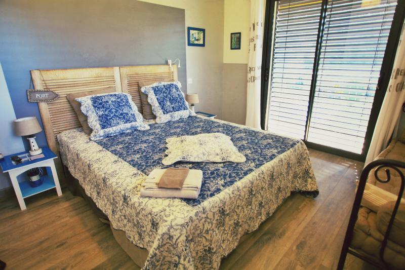 BONHEUR BOHEME - Chambre Rétaise, vacation rental in Rhone