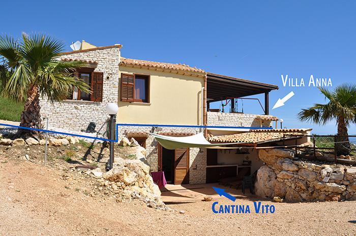 Sopra Villa Anna ------ Sotto L'appartamento 'Cantina Vito')