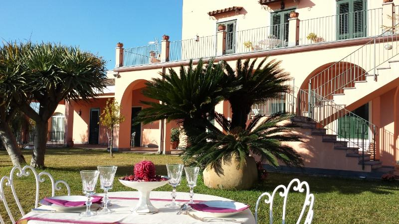 Prestigious 19th century villa in Sicily, holiday rental in Pennisi