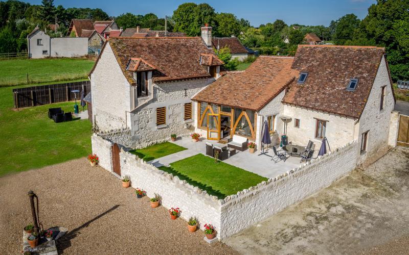 The Two Arches, Les Arches de Muschamp, casa vacanza a Ferriere-Larcon