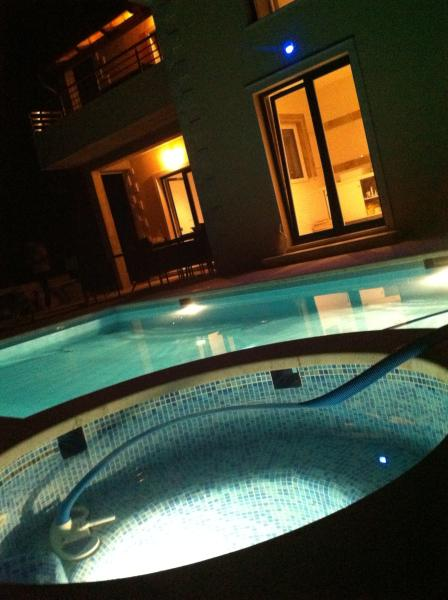 pool night life