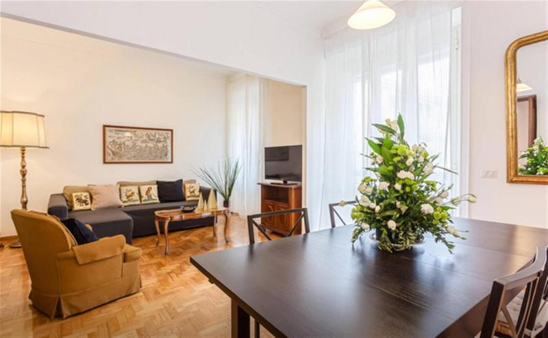 Spacious living room 26 sqm! Salone molto grande 26 mq2 - large living room of 26 square meters -
