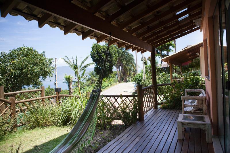 Deck casa Tuim com linda vista p/ o mar