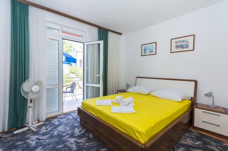 Room near Dubrovnik, casa vacanza a Celopeci