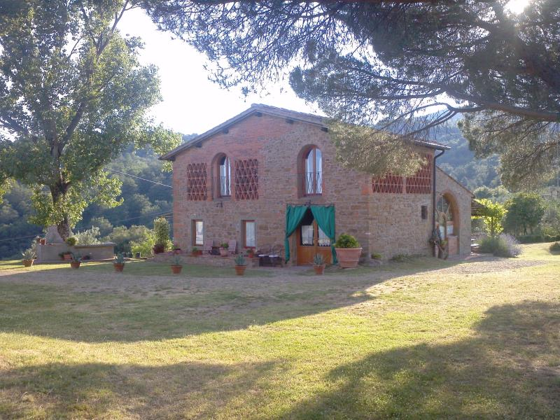 The old barn - Holiday House for rent in Tuscany, location de vacances à Lagaccioni