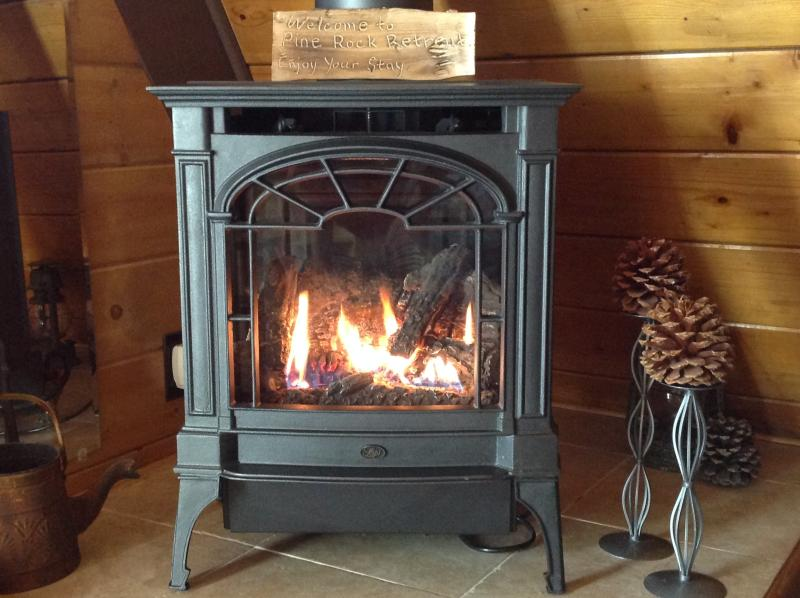Romantic and Clean Smoke-Free Heater/Gas Fireplace