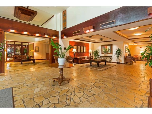 Waikiki Windsor- Ocean View -Free Wi-Fi & Parking, vacation rental in Oahu