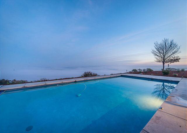 Paso Robles 'Top of the World' Pool with Views and High-End Privacy, holiday rental in Paso Robles