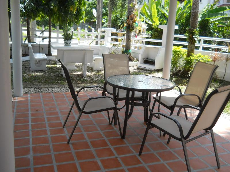 OUTDOOR SALA FOR DINING, BBQing, ENTERTAINING OR ENJOY OUTDOORS