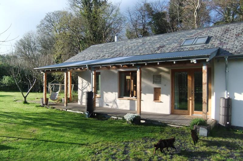 HEMP COTTAGE Riverside Cottage – semesterbostad i Portaferry