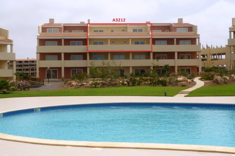 Top central penthouse directly over pool and fab sea views