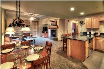 Cozinha-sala de jantar em mestre