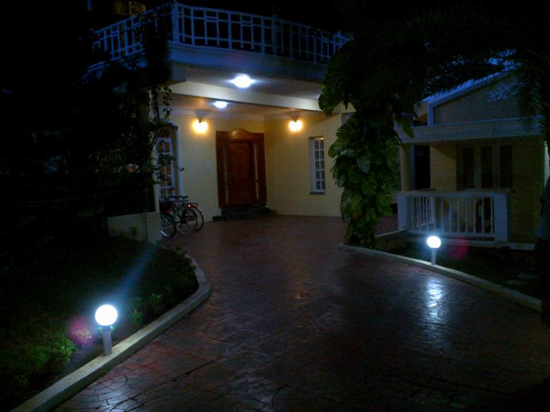 Villa Rose Boutique Resort by Aloe Veda, holiday rental in Chennai District