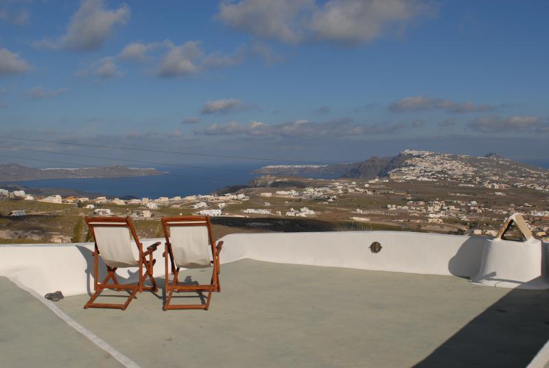 Island views from Spiti Stelios 80m2 roof terrace