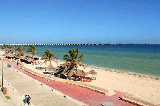 Beautiful beaches of Port of Progreso, 25 minutes from Casa Castellanos