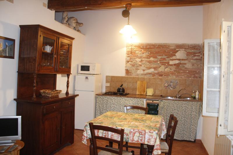 Puccini apt, dining room