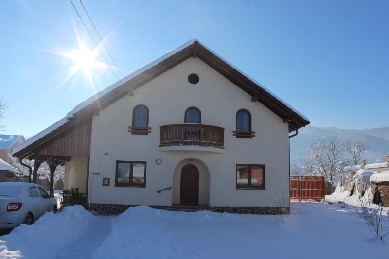 Casa  Rudi & Ella B & B, holiday rental in Sibiel
