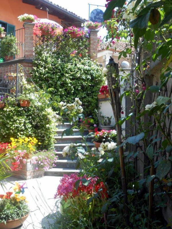 courtyard of the b&b