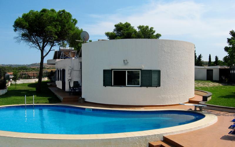 VILLA TAI SICILIA TRA CATANIA E SIRACUSA, holiday rental in Villasmundo