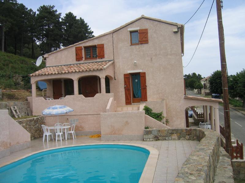 Villa avec piscine près des Aiguilles de Bavella, alquiler de vacaciones en Solaro
