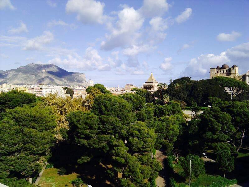Vista principale, Monte Pellegrino, Porta Nuova, Piazza indipendenza,  Osservatorio Astronomico