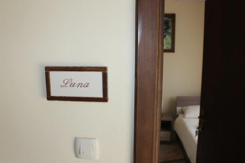 Vinia room Luna