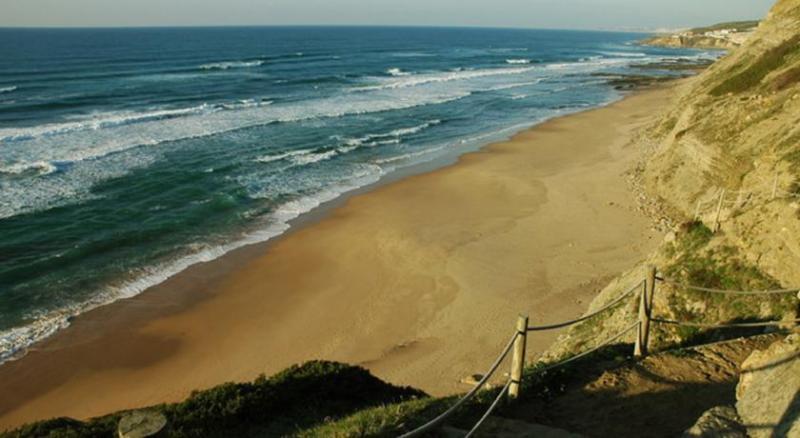 Aguda Beach (2,5 Km)