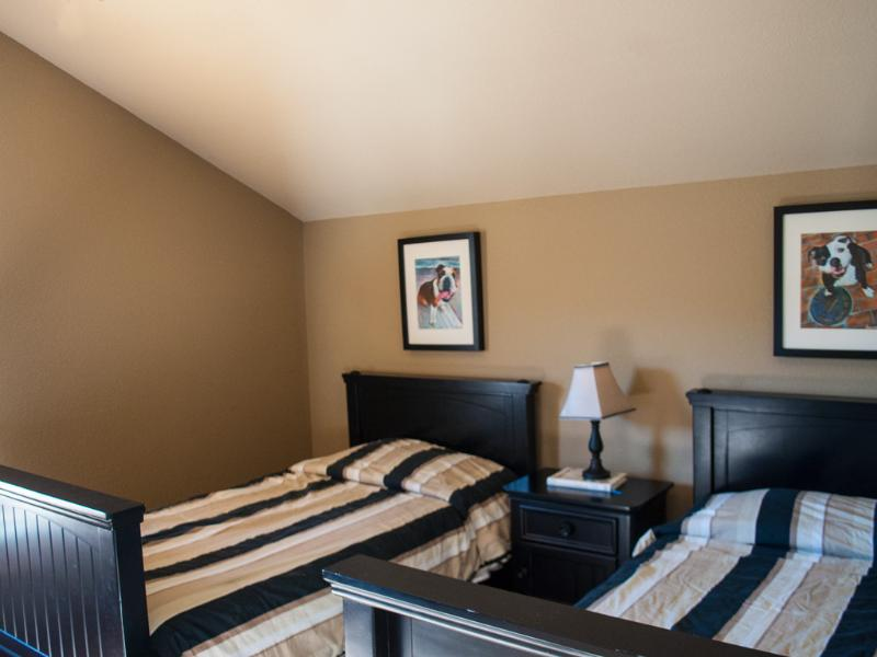 Two Twin Bedroom #1