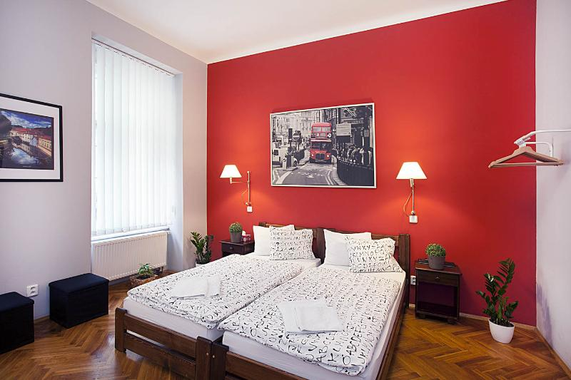 Central Station Studio 2 - Central Location!, vacation rental in Prague