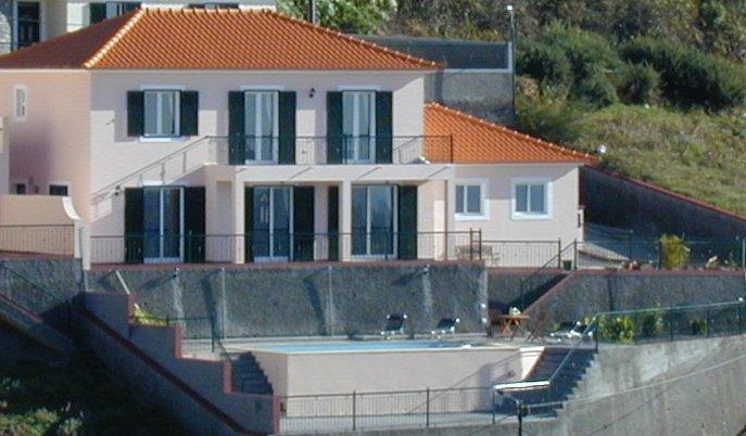 Large Luxury Villa with Private Heated Pool, holiday rental in Ribeira Brava