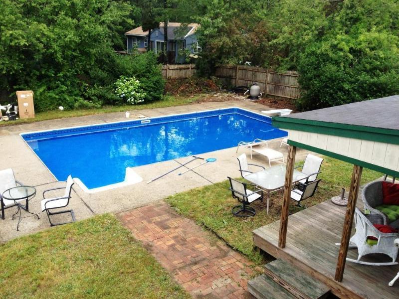 5 bedrooms, Sleeps 10, Heated Pool, AC, Outdoor Shower, Pet-friendly, Large Yard, holiday rental in Waquoit