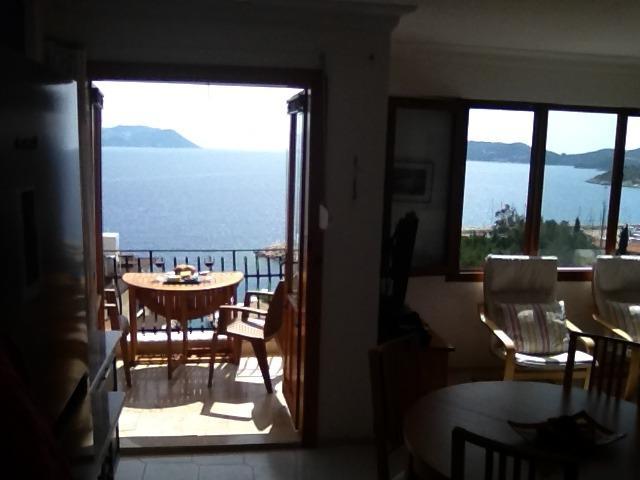 Varanda e sala de estar windows - Observe a vista para o mar!