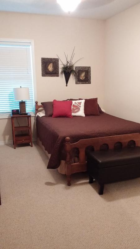 The 2nd Guest Room features a Queen size bed