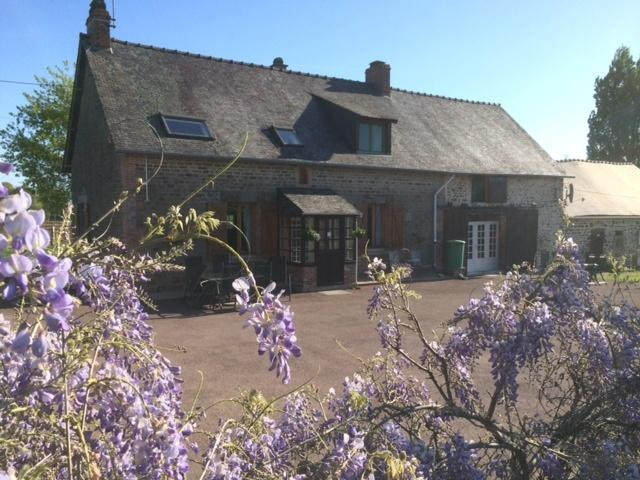 Wisteria-Gites, holiday rental in Herce