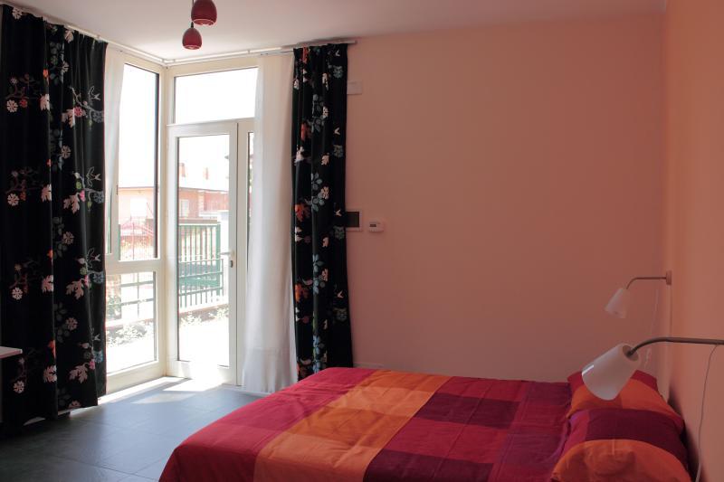 Cozy bright studio close to UNESCO site Mount Etna, holiday rental in Nicolosi